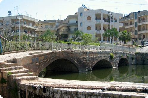 جسر باب النهر الحجري